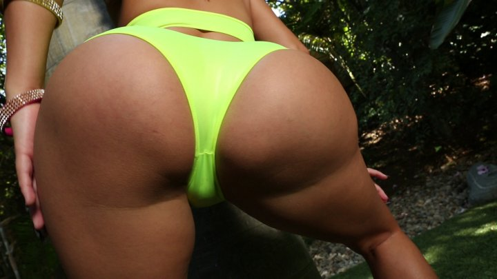 Streaming porn video still #4 from White Booty 2