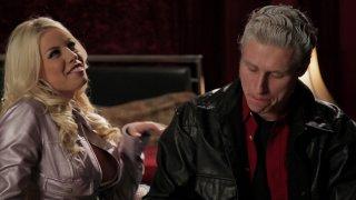 Streaming porn video still #3 from Buffy The Vampire Slayer XXX: A Parody