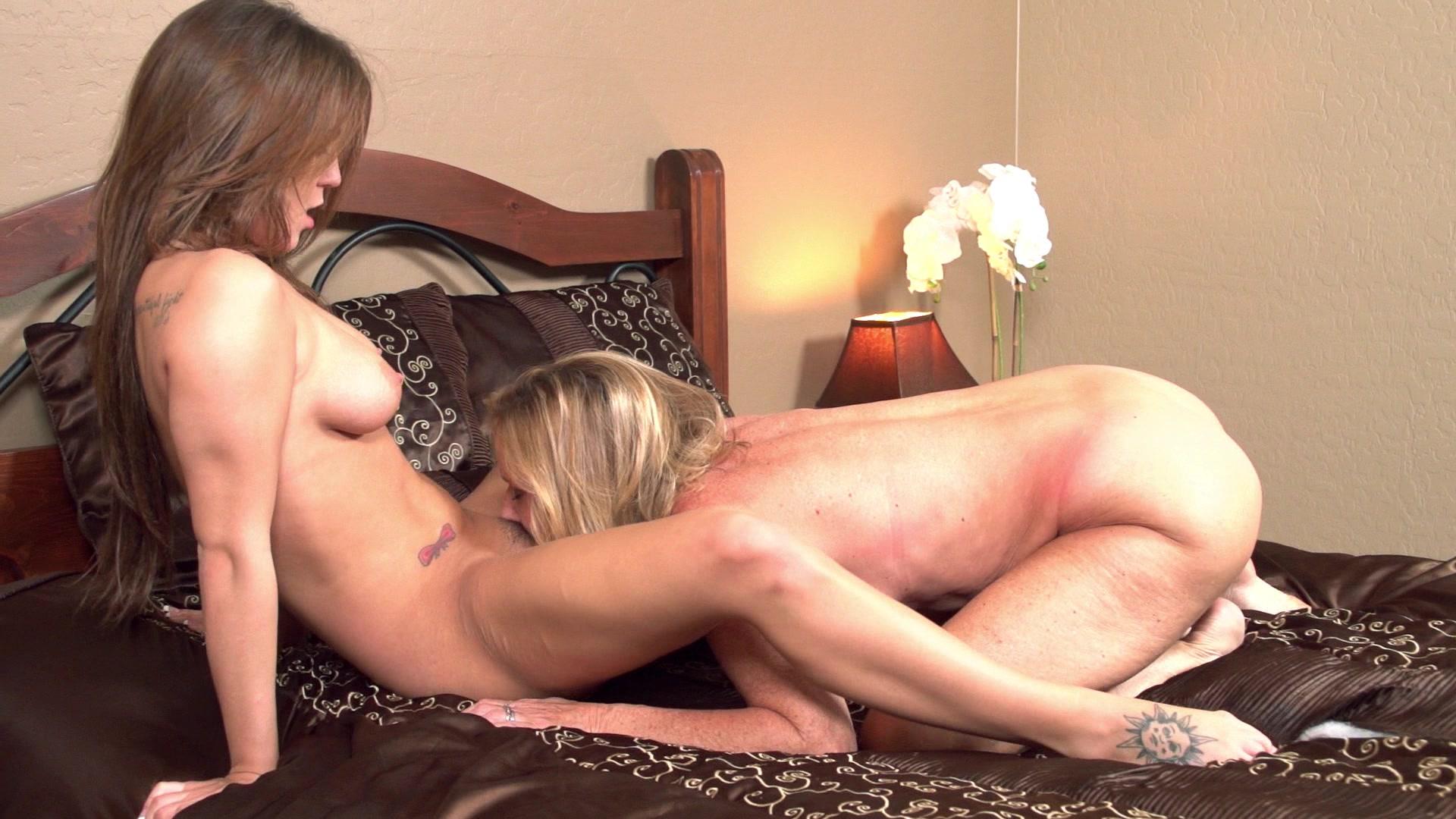 www lesbian training com: