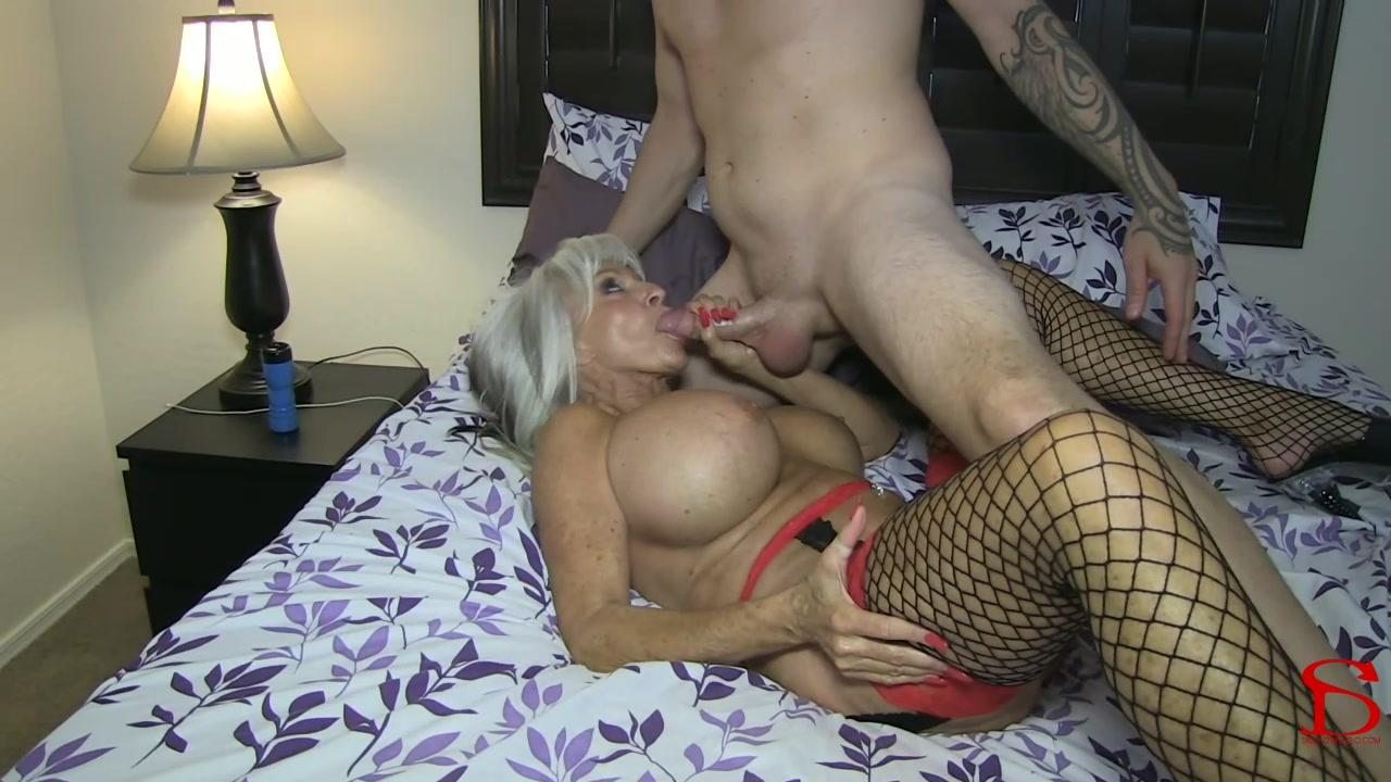 Streaming Cougar Porn 10