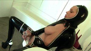 Streaming porn video still #2 from Latex Lovers