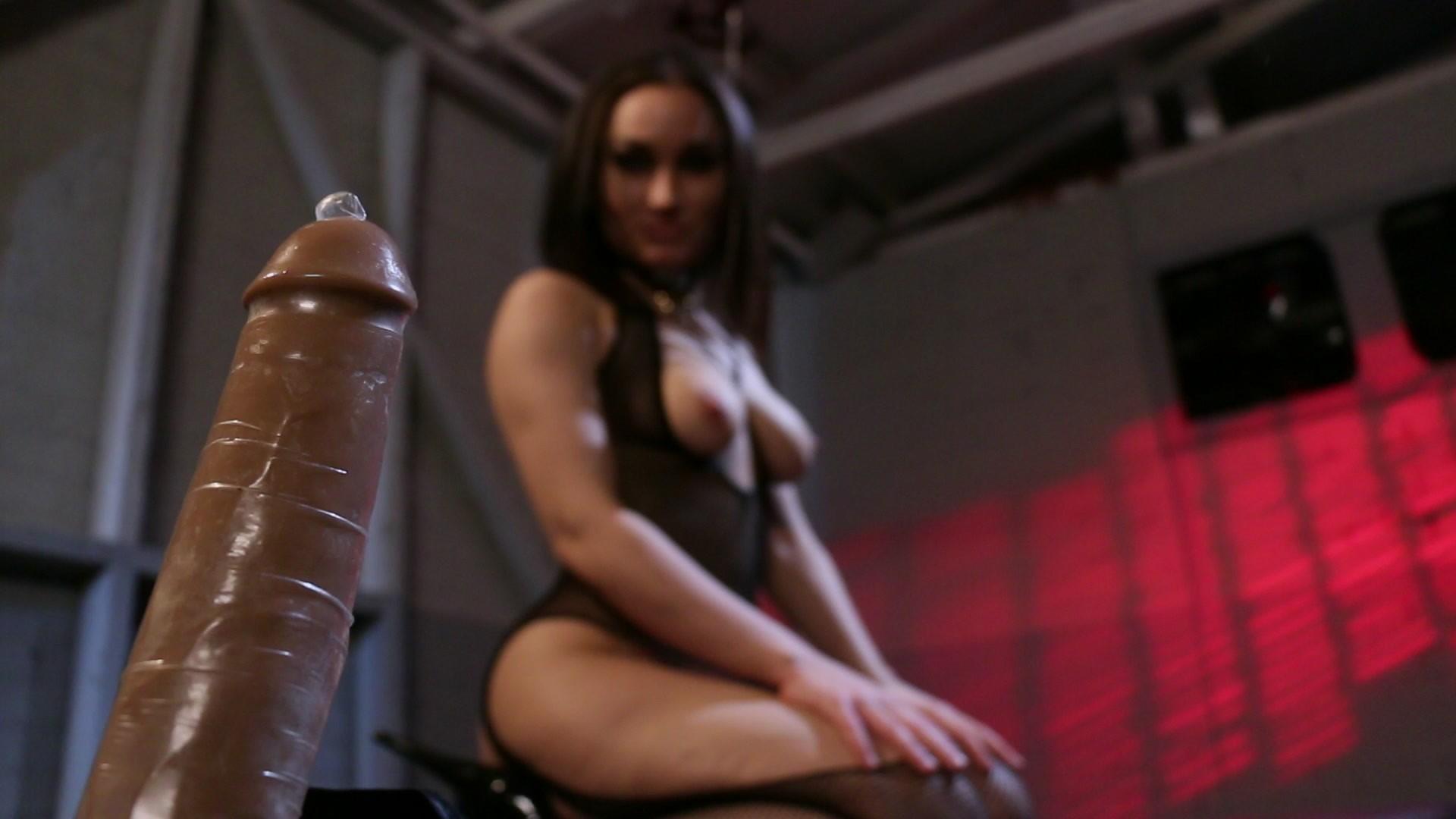 Bank elizabeth sexy video
